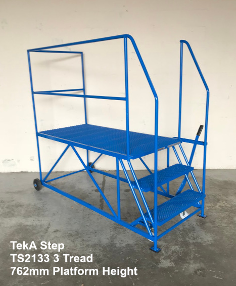 TekA Step TS2133 Single Ended Access Platform - 3 Tread - Right side opening