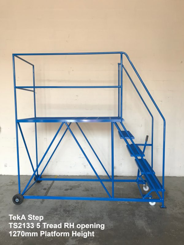 TekA Step TS2133 Single Ended Access Platform - 5 Tread- Right Side Opening